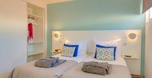 Suite pool view Coral Ocean View Hotel